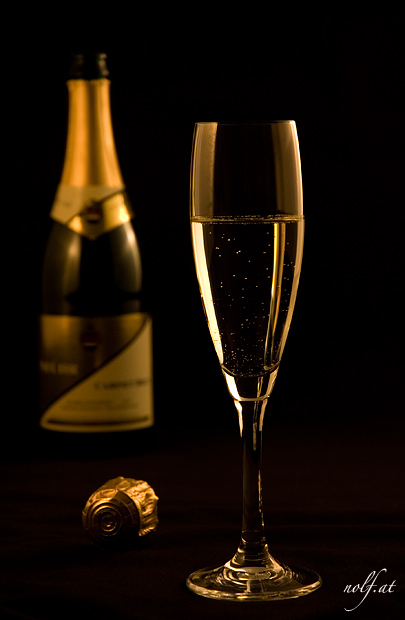 Glass of Sparkling Wine for New Year || Glas Sekt fuer Neujahr